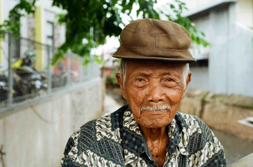 old jakarta man, sitting chilling and part of my Jakarta portraiture series